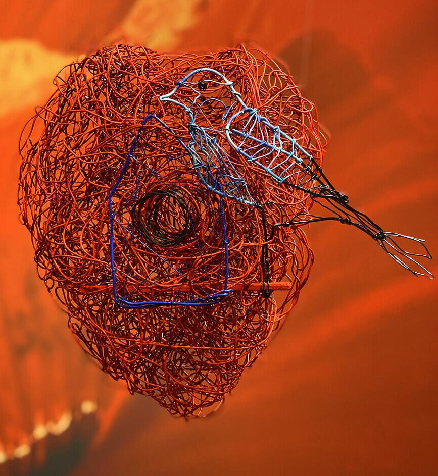 Nido-Nest wire art sculpture by Angeles Nieto